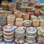 Naczynia ceramiczne na kiermaszu kaziukowym
