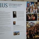 Wystawa poświęco kultowi miłosierdzia Bożego przed Katedrą Wileńską